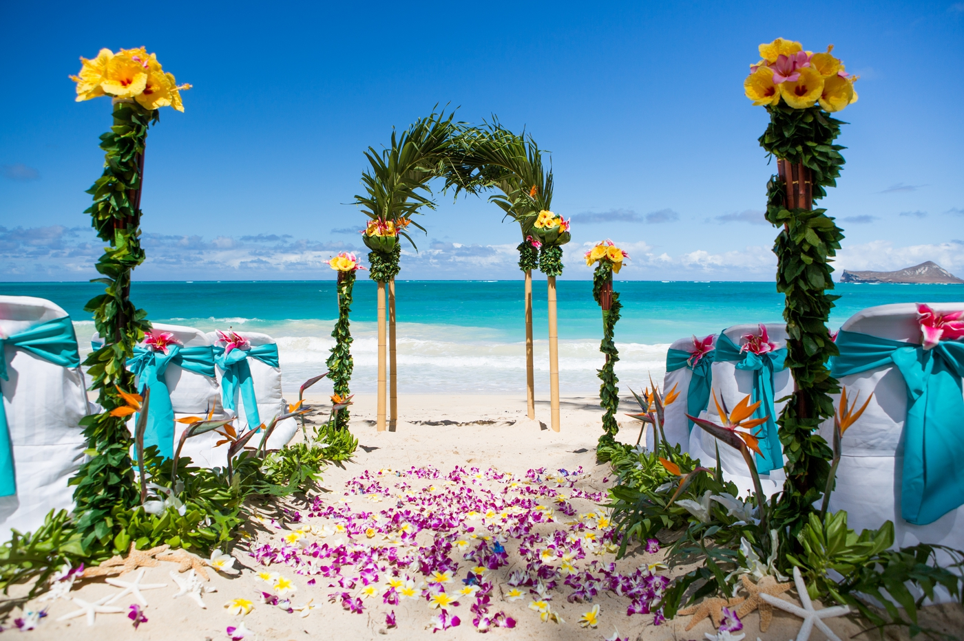 oahu beach wedding with aloha island weddings. Black Bedroom Furniture Sets. Home Design Ideas
