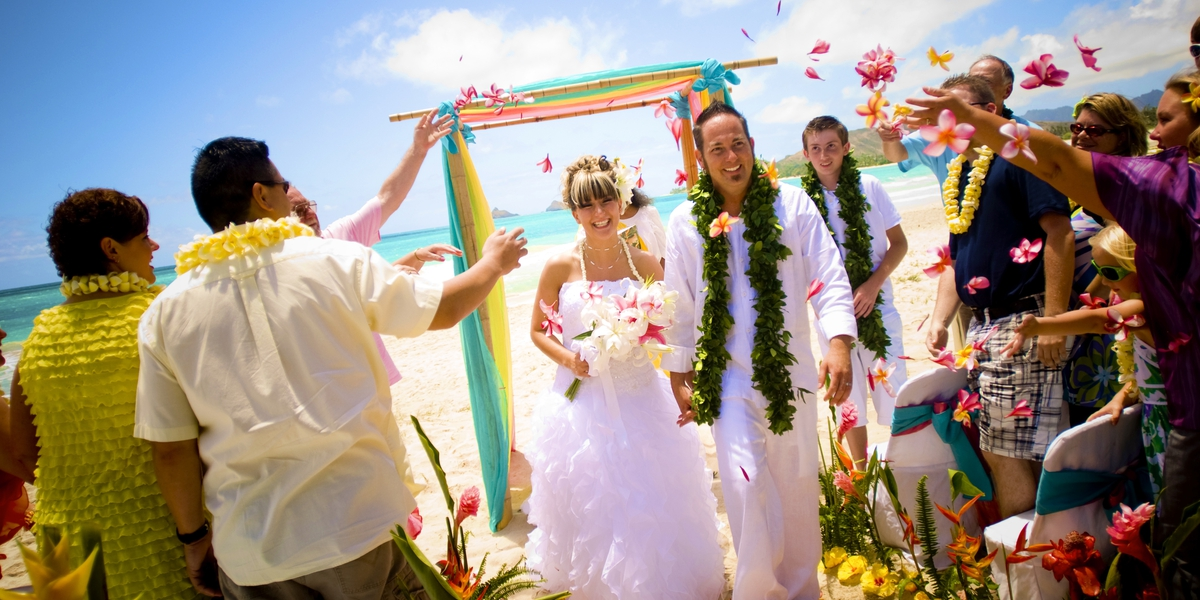 Becky And Eric Estate Wedding On Oahu