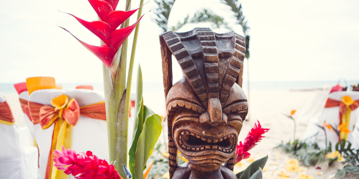 close up of a Hawaiian tiki for a beach wedding