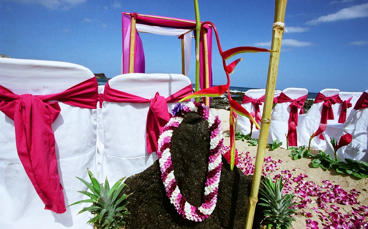 Leis flower wedding