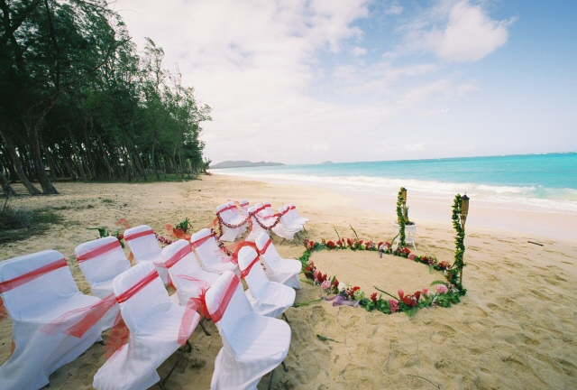 flower circle for wedding at waimanalo beach
