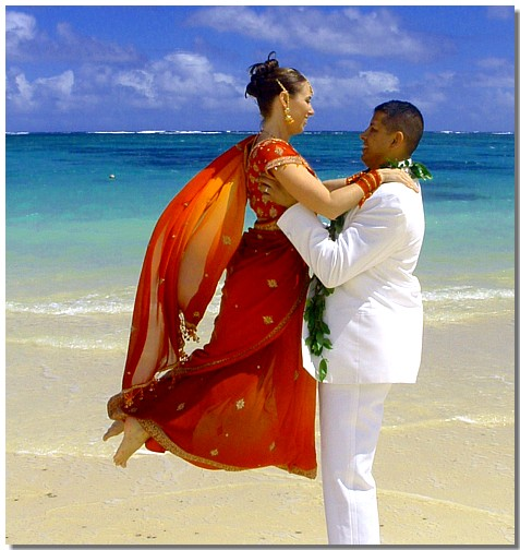 http://www.alohaislandweddings.com/images/oahu%20wedding%20tricia%20angel.jpg